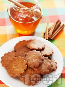 Обикновени сладки меденки с канела и мед (без яйца със сода) - снимка на рецептата